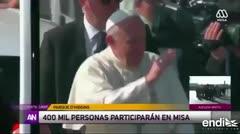 Le lanzan un objeto al Papa mientras estaba en el papamóvil