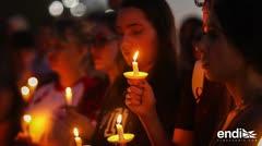 Llanto y dolor en la vigilia por la víctimas de la masacre de Florida