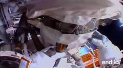 Astronautas terminan caminata espacial por reparaciones