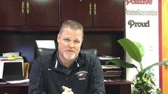 El director de la escuela tiroteada en Florida rompe el silencio