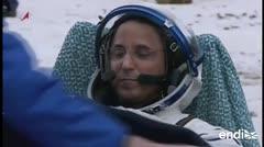Joseph Acabá saluda efusivamente tras su regreso a la Tierra