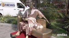 Crean estatua de Harvey Weinstein previo a los Oscar