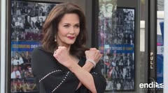 La icónica Lynda Carter recibe su estrella en Hollywood