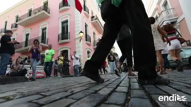 Padres llegan hasta La Fortaleza para mantener su escuela abierta