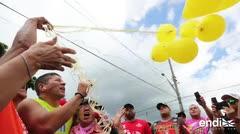 Raymond Arrieta protagoniza un emotivo momento con globos