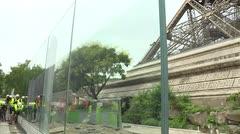La Torre Eiffel estrena un nuevo muro de cristal contra ataques