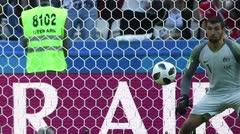 Francia vence 2-1 a Australia con debut de videoarbitraje
