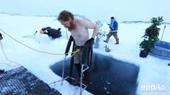 Ellos se dieron un tremendo chapuzón de agua helada en la Antártida