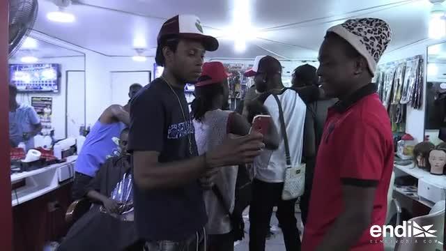 """""""No todo lo que brilla es oro"""", canta rapero haitiano en Chile"""