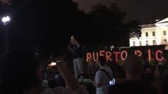 Realizan una vigilia contra Donald Trump frente a la Casa Blanca