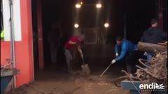 Rafa Nadal se une a la limpieza de las calles de Mallorca luego de las inundaciones