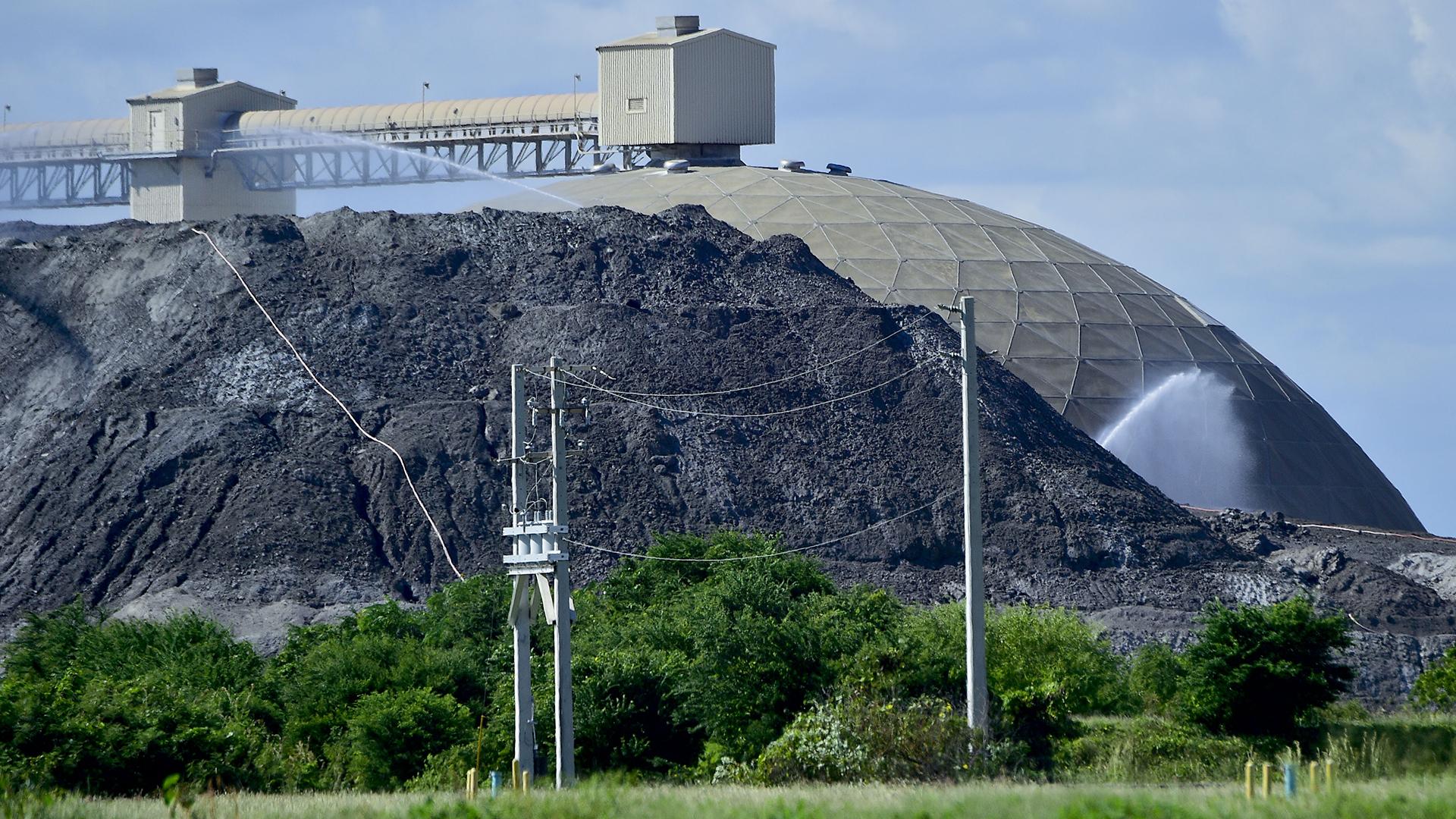 Mira los municipios con más emisiones tóxicas en la isla