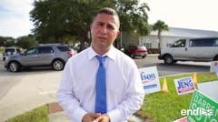 Darren Soto motiva a los votantes el día de las elecciones legislativas