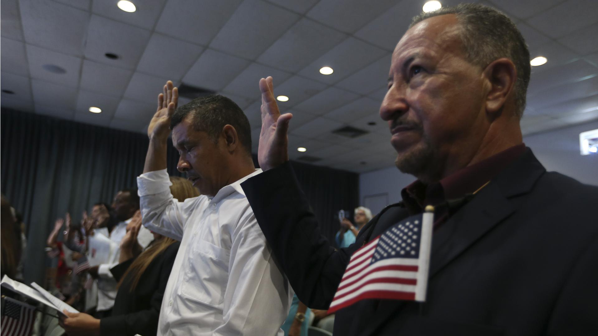 49 extranjeros logran la ciudadanía estadounidense desde Puerto Rico