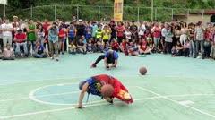 Magos del baloncesto de Estados Unidos inspiran a niños en Venezuela