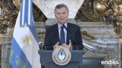 El presidente argentino siente vergüenza por escupitajos y pedradas