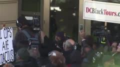 Juez aplaza la sentencia del exasesor de Trump, Michael Flynn