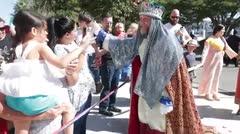 Los Reyes de Juana Díaz comparten con niños en el Museo de Arte de Ponce