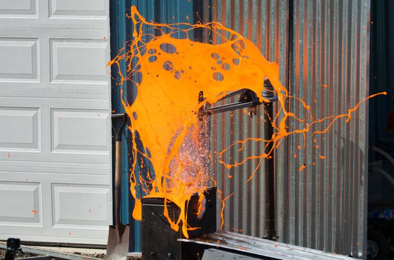 Esto es lo que ocurre cuando mezclas el agua y la lava