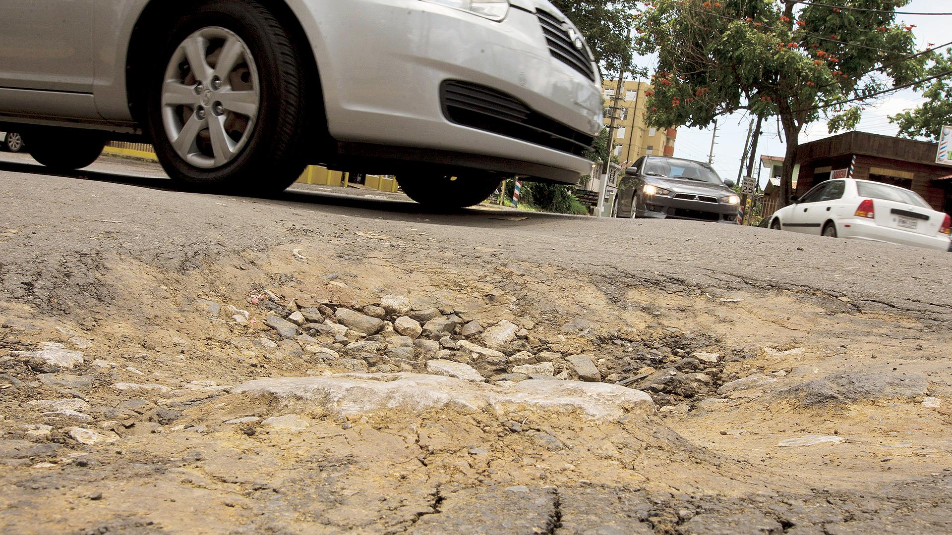 """""""Las carreteras estaban abandonadas"""", según el secretario del DTOP"""