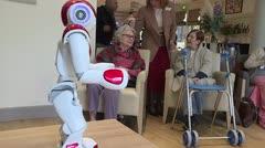 Robots al servicio de ancianos en asilos de Francia