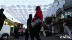Los selfis de las sombrillas blancas en la Placita de Santurce