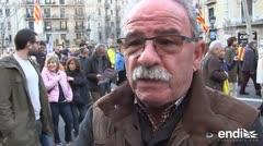 Miles protestan contra juicio a independentistas catalanes