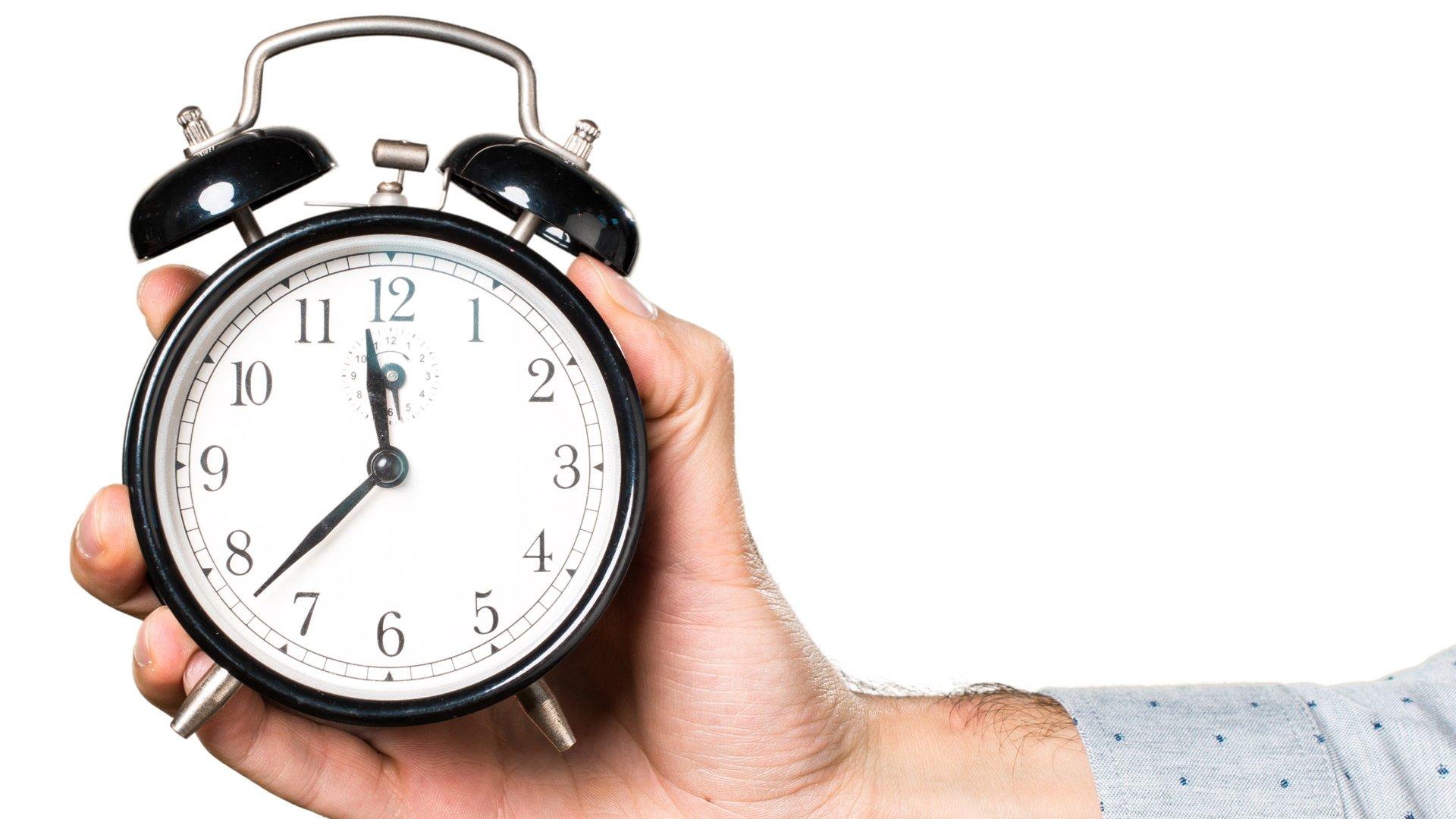 ¿Cómo comenzó el cambio de hora?