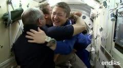 Tres astronautas alcanzan una importante meta en el espacio