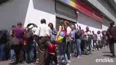 Largas filas en Venezuela para retirar dinero de los bancos