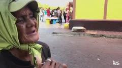 Los venezolanos tienen hambre y se las ingenian para comer