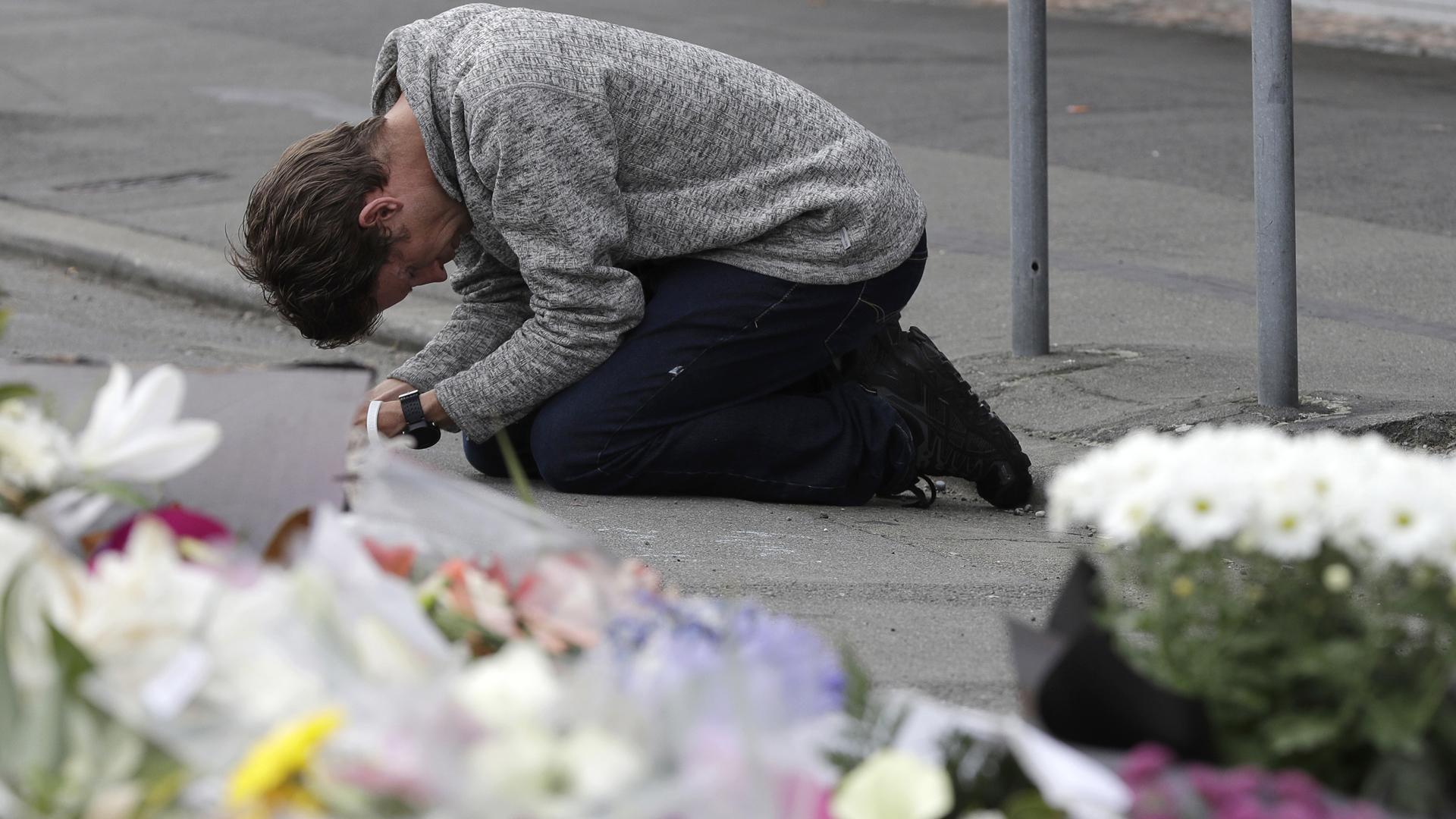 Terror en tiempo real: cómo el pistolero en Nueva Zelanda utilizó las redes sociales