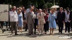 El príncipe Carlos pasea en La Habana en su segundo día de visita