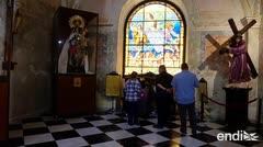 Creyentes llenan las iglesias del Viejo San Juan durante el Viernes Santo