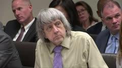 Condenan a cadena perpetua a padres que torturaron a sus 12 hijos