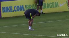 """Los médicos de Brasil descartan """"lesión grave"""" de Neymar en la rodilla"""