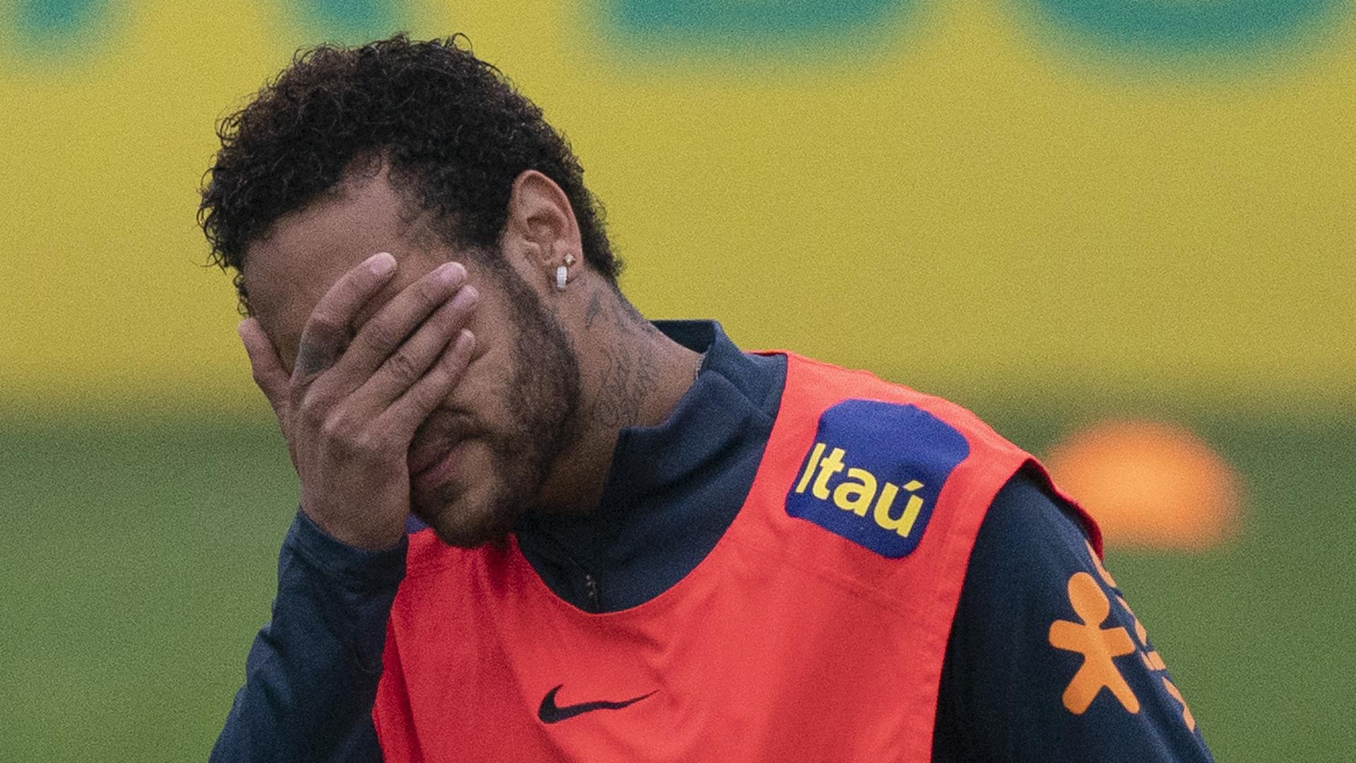 Neymar regresa al campo bajo un escándalo de violación