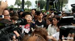 El recién liberado activista Joshua Wong se suma a protestas contra ejecutivo de Hong Kong