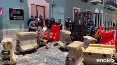 La Policía ajusta las vallas de cemento frente a La Fortaleza