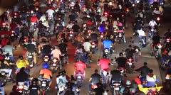 Caravana de motoras impide el paso por la Martínez Nadal
