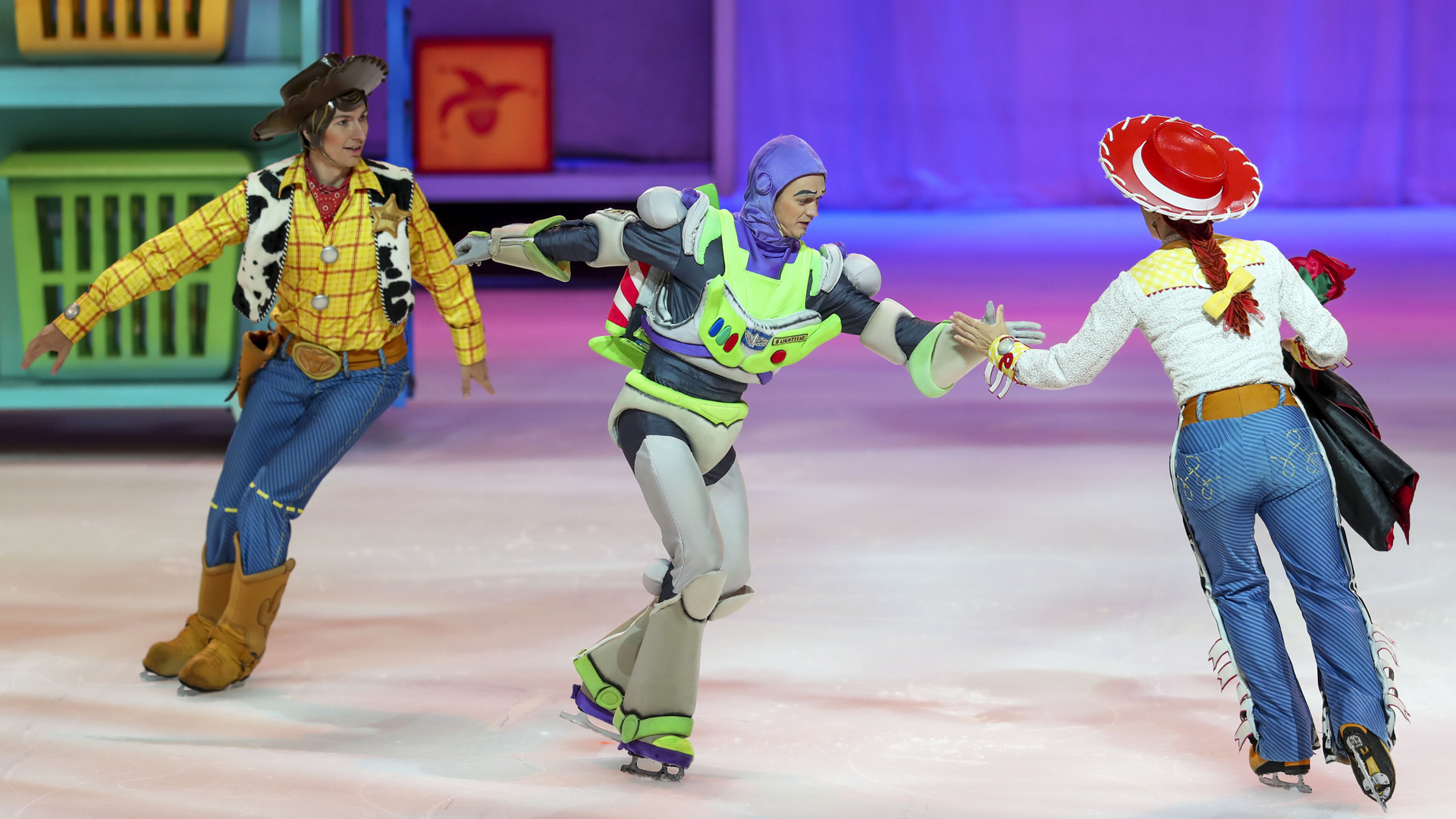 "La magia de ""Disney on Ice"" brilla en el Choliseo"