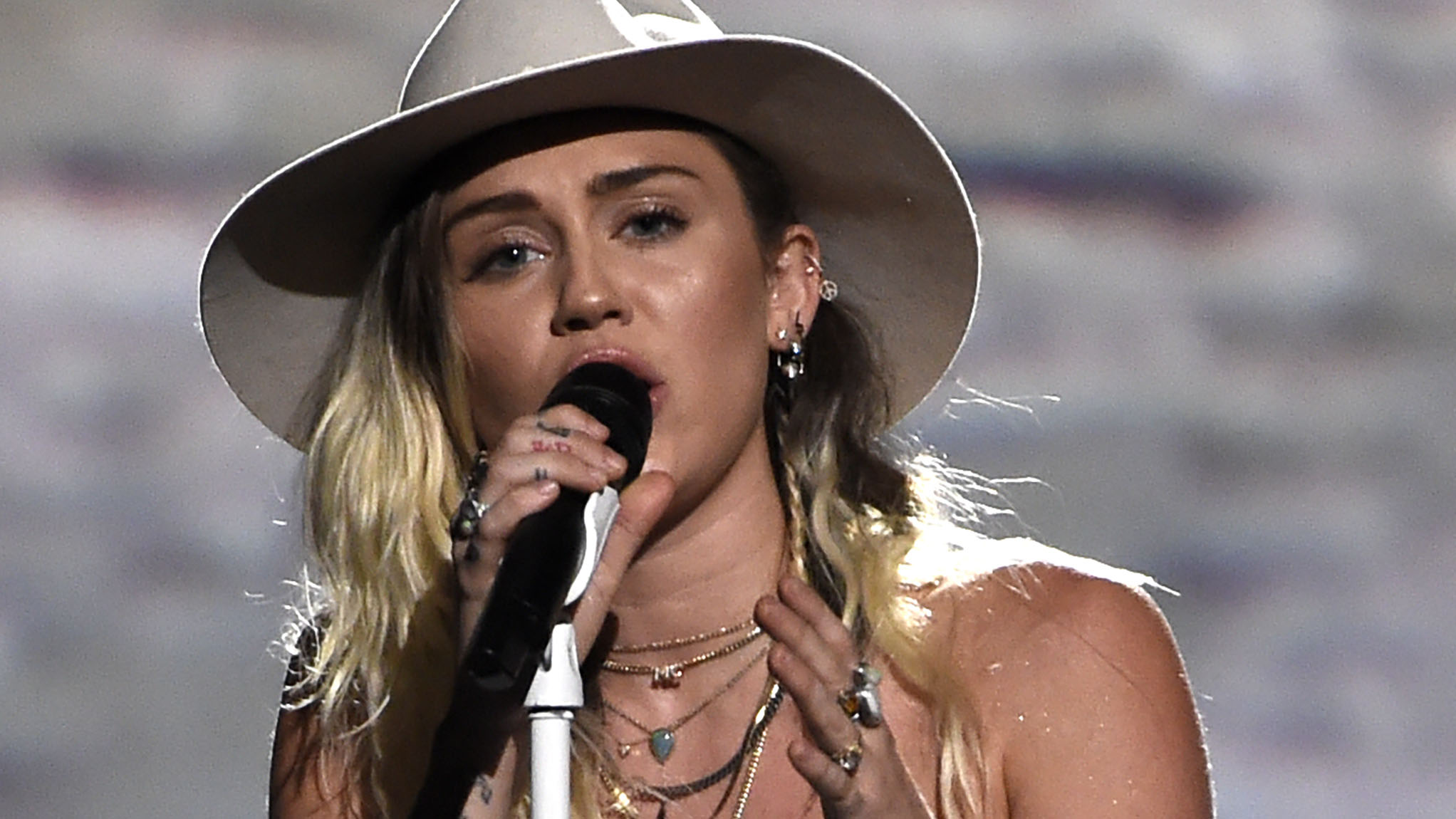 Miley Cyrus quiso salvar su matrimonio con Liam Hemsworth