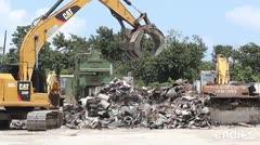Reciclan carros, latas y acero en esta planta en Carolina