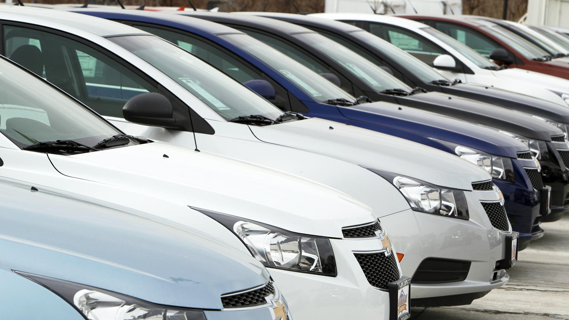¿Por qué 50,000 empleados de General Motors están en huelga?