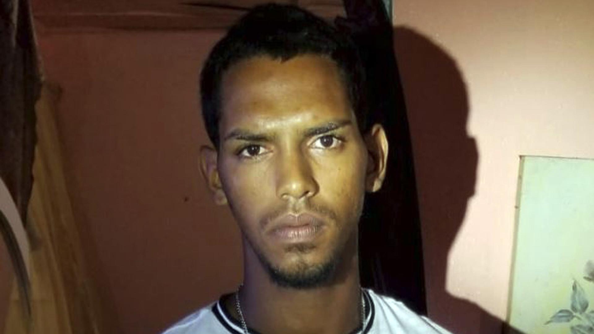 Arrestan a Bombi, sospechoso de múltiples carjackings