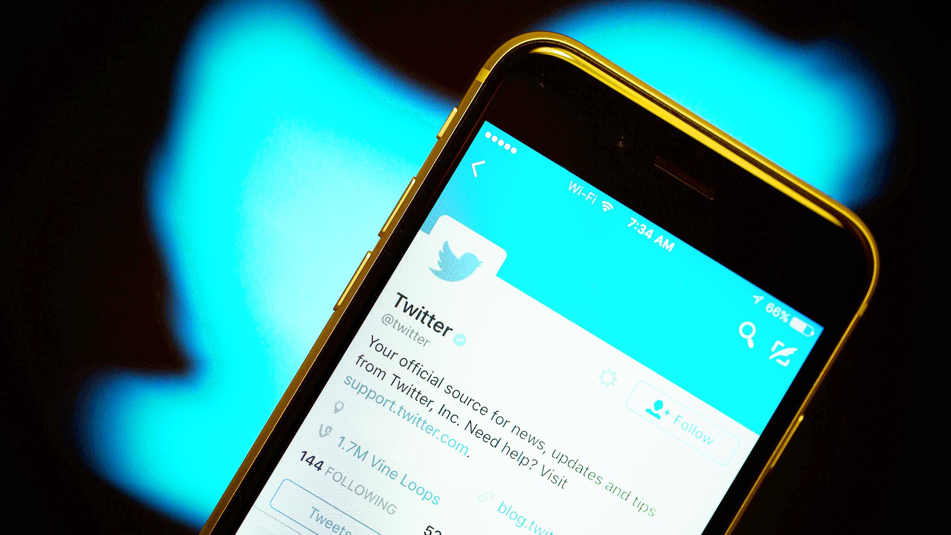 Twitter cerró miles de cuentas y te explicamos por qué