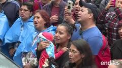 México llora y canta frente a la estatua de su ídolo José José