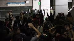 """Chile decreta """"estado de emergencia"""" tras caos en protestas"""
