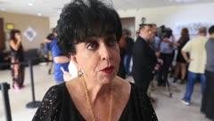 Carlota Alfaro revela el secreto de las capas de Walter Mercado
