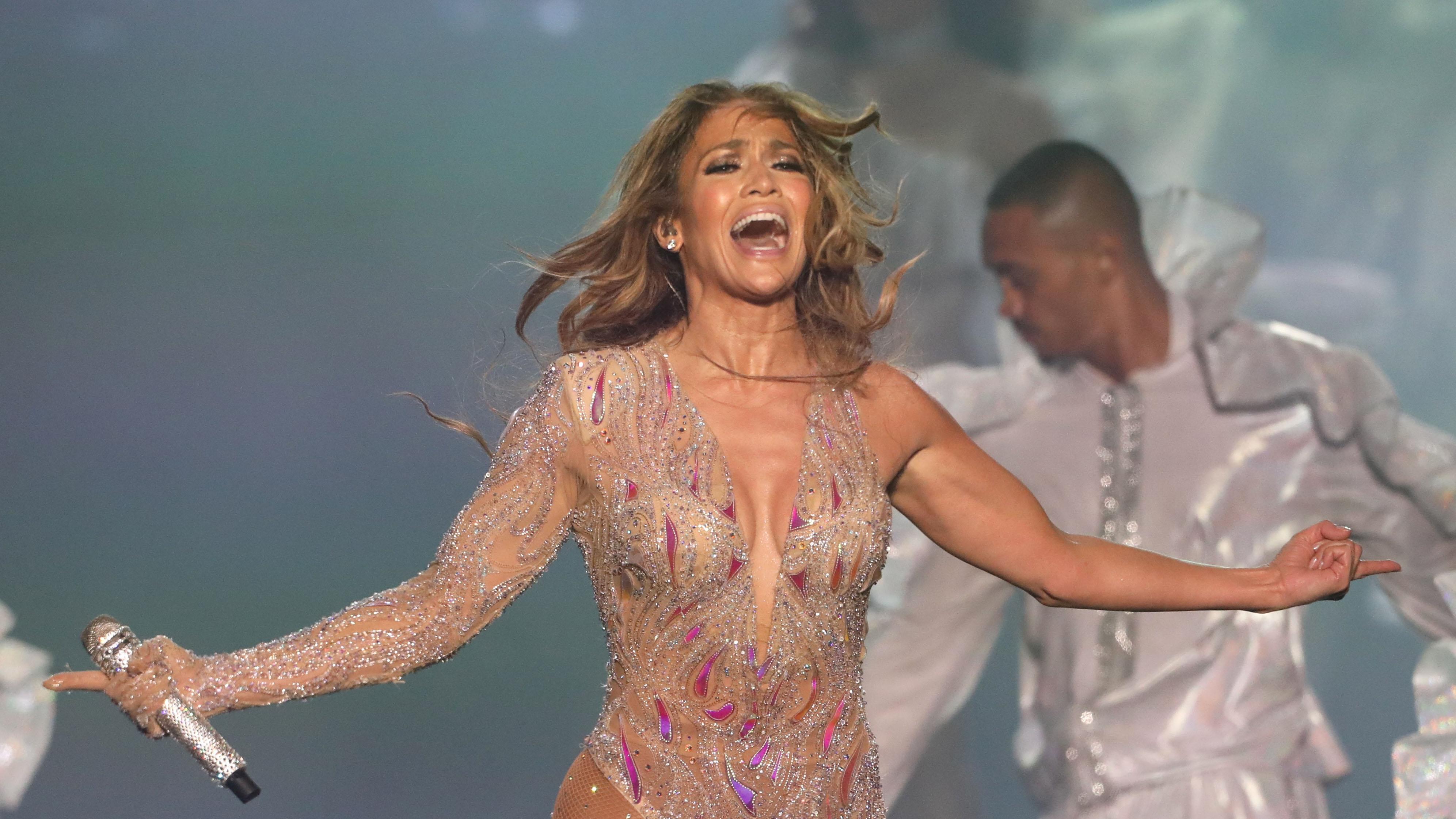 La emotiva reacción de Jennifer López cuando confirmaron su actuación en el Super Bowl